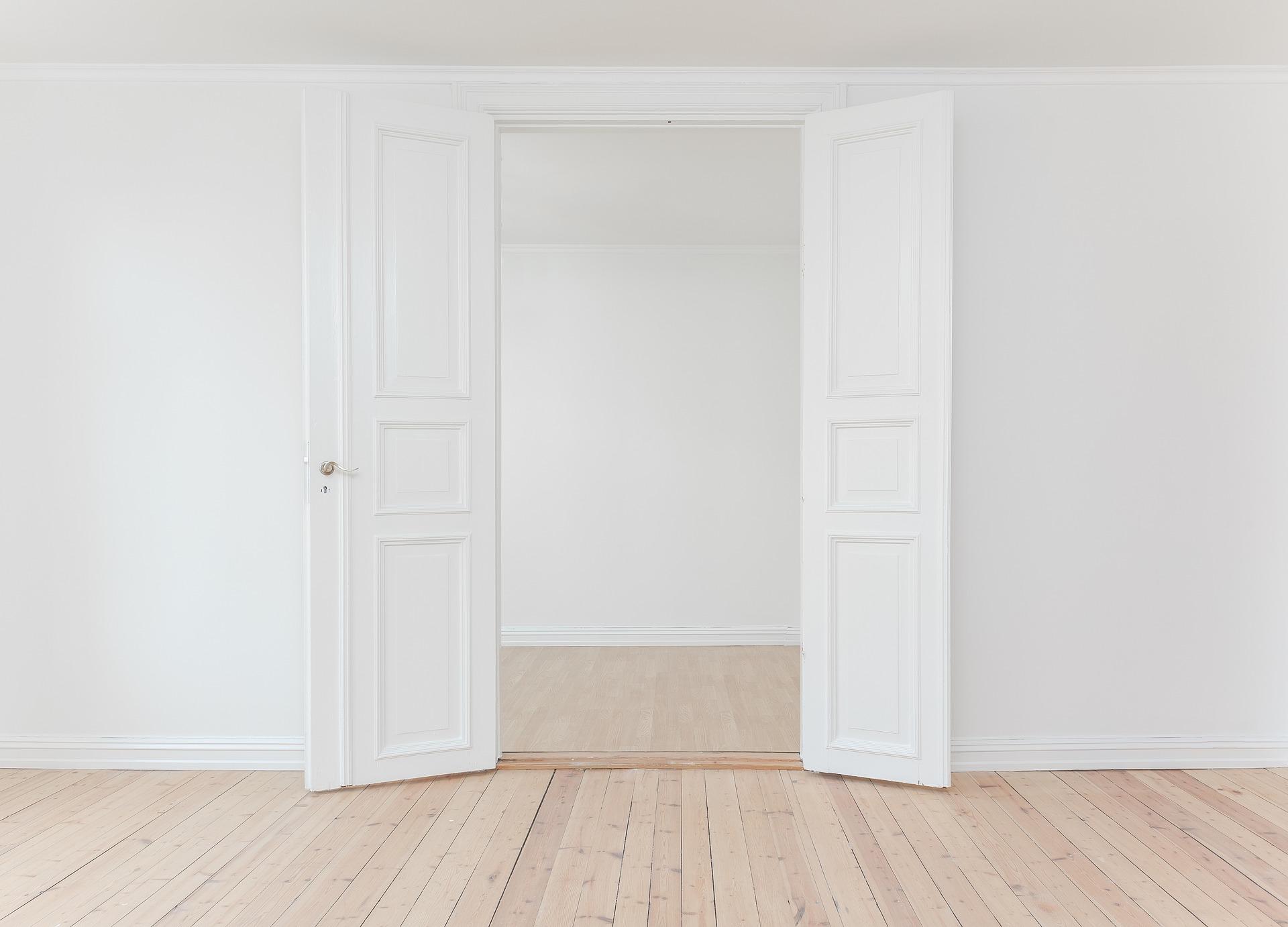 Weiße Zimmertür