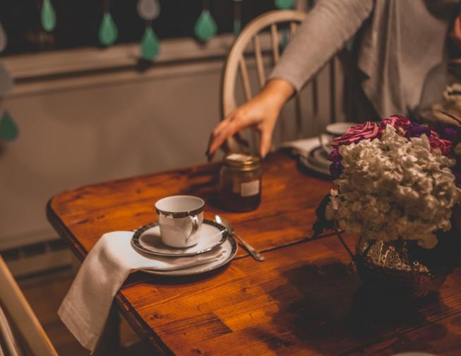 Der Eiermann Tisch ist seit 1953 ein Teil der Designgeschichte. Er ist ✓ flexibel einsetzbar und ✓ ein wahrer Hingucker, nicht nur für Liebhaber